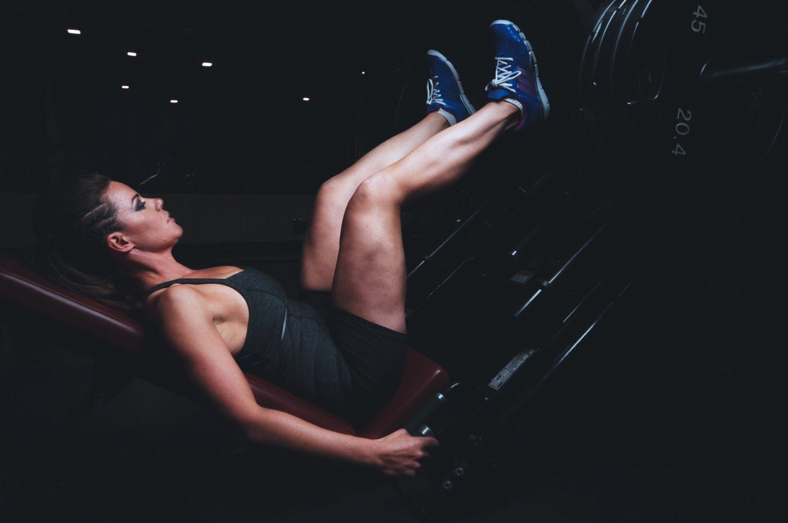 Эффективные упражнения для похудения ног и живота в домашних условиях
