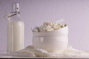 Не повредит ли обезжиренный творог при похудении: свойства, БЖУ, польза и вред