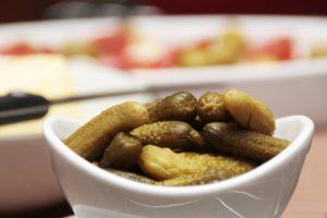 Соленые огурцы и диета: как совместить и можно ли вообще их есть при похудении