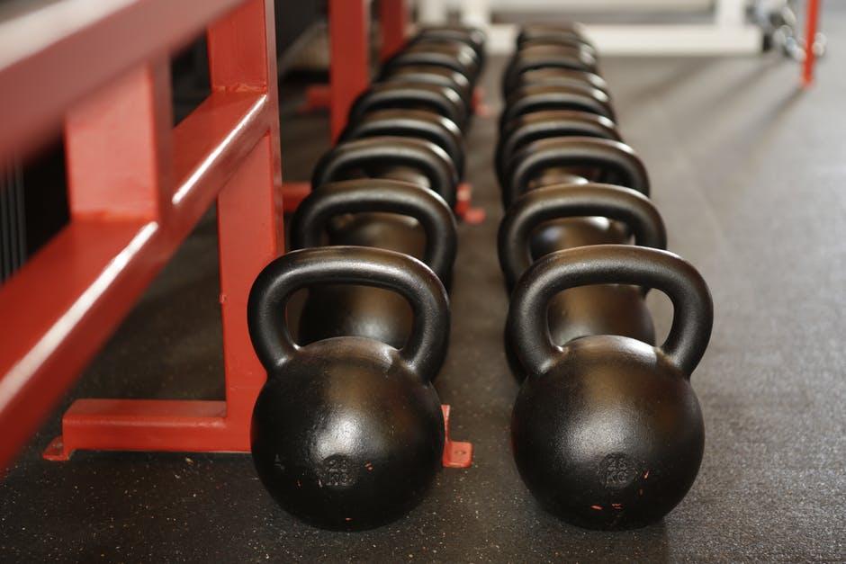 Упражнения и план тренировки с гирями