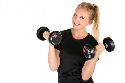 Включаемся все: подборка упражнений с гантелями для новичков