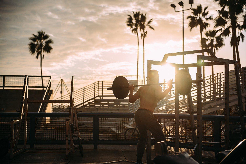 Зарядка по-мужски: утренние комплексы упражнений на любой возраст