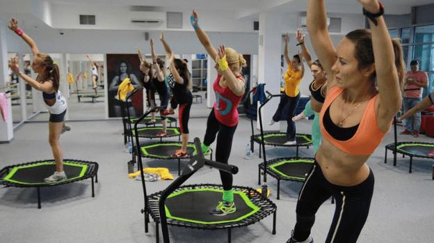 Прыжки на батуте: эффективность для похудения