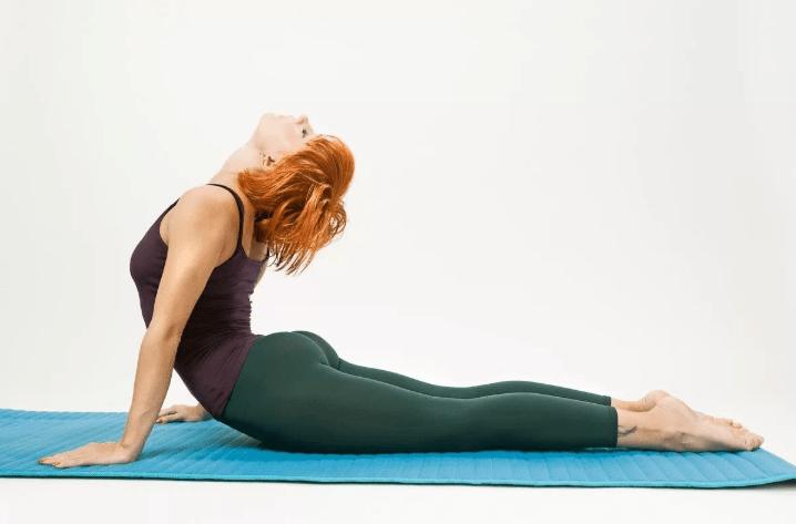 Как убрать складки на спине в короткие сроки: упражнения дома и в тренажерном зале