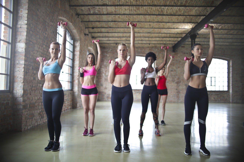 Укрепляем руки: упражнения для девушек