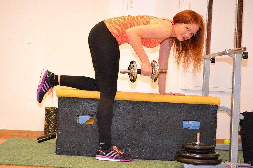 Самые эффективные упражнения для ягодиц в домашних условиях для девушек