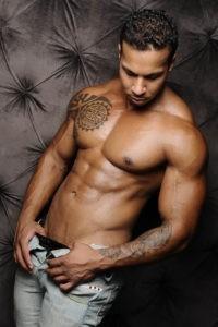 Идеальный мужской пресс: способы преображения мускулатуры живота в домашних условиях