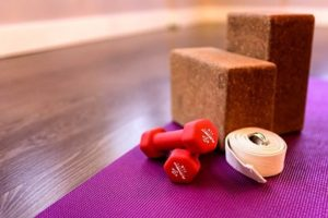 Действенные упражнения с гантелями для женщин