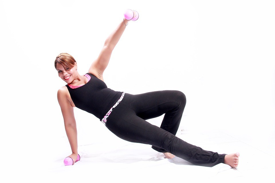 Все способы, как быстро накачать руки девушке и женщине после 40 лет и укрепить мышцы в домашних условиях