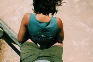 Руки в тонусе: упражнения на бицепс для девушек