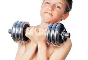 Как детям и подросткам правильно заниматься в тренажерном зале