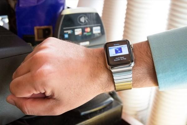 Фитнес-браслет с NFC