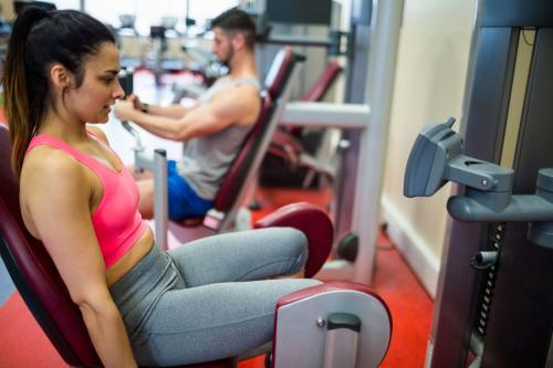 Тренажерный зал в борьбе за стройные женские ноги: доказанная эффективность или примитивная альтернатива