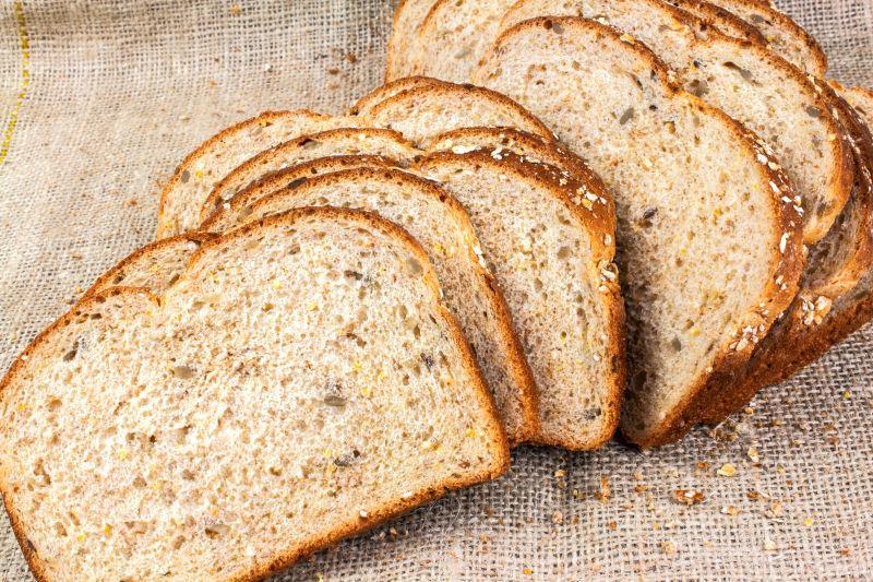 Хлебцы на диете: какие виды можно есть, а от каких следует отказаться