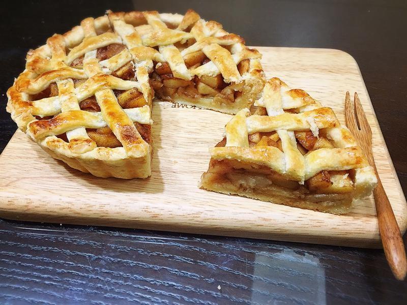 Овсяный пирог с сухофруктами без сахара и муки