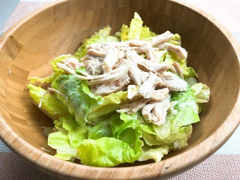 И снова о курице. Легкие салаты из куриной грудки для любой диеты